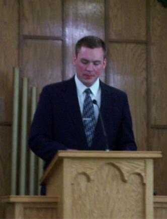 Pastor David Navis